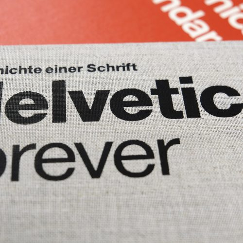 Boken Helvetica Forever