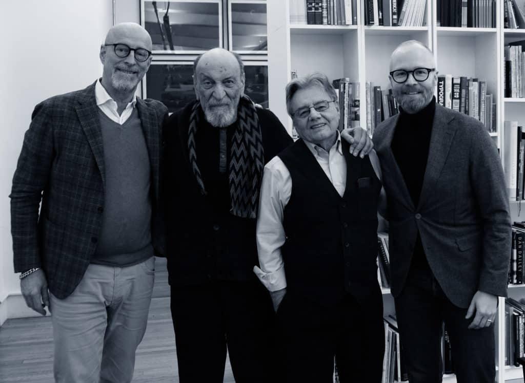 John Bark och Henrik Ek med Milton och Walter i december 2019. Milton huserar nu i lokaler som tillhör SVA.